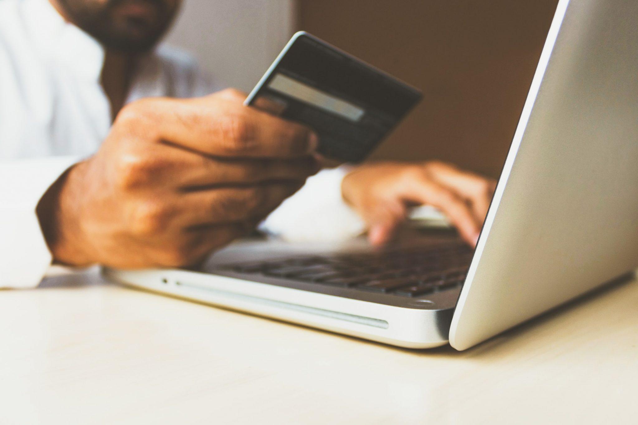 Não usar cartões de crédito