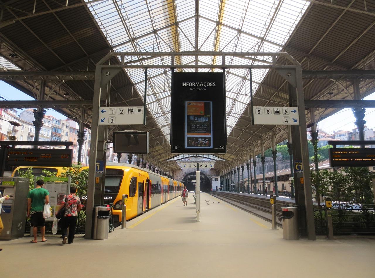 Comboios CP no Porto